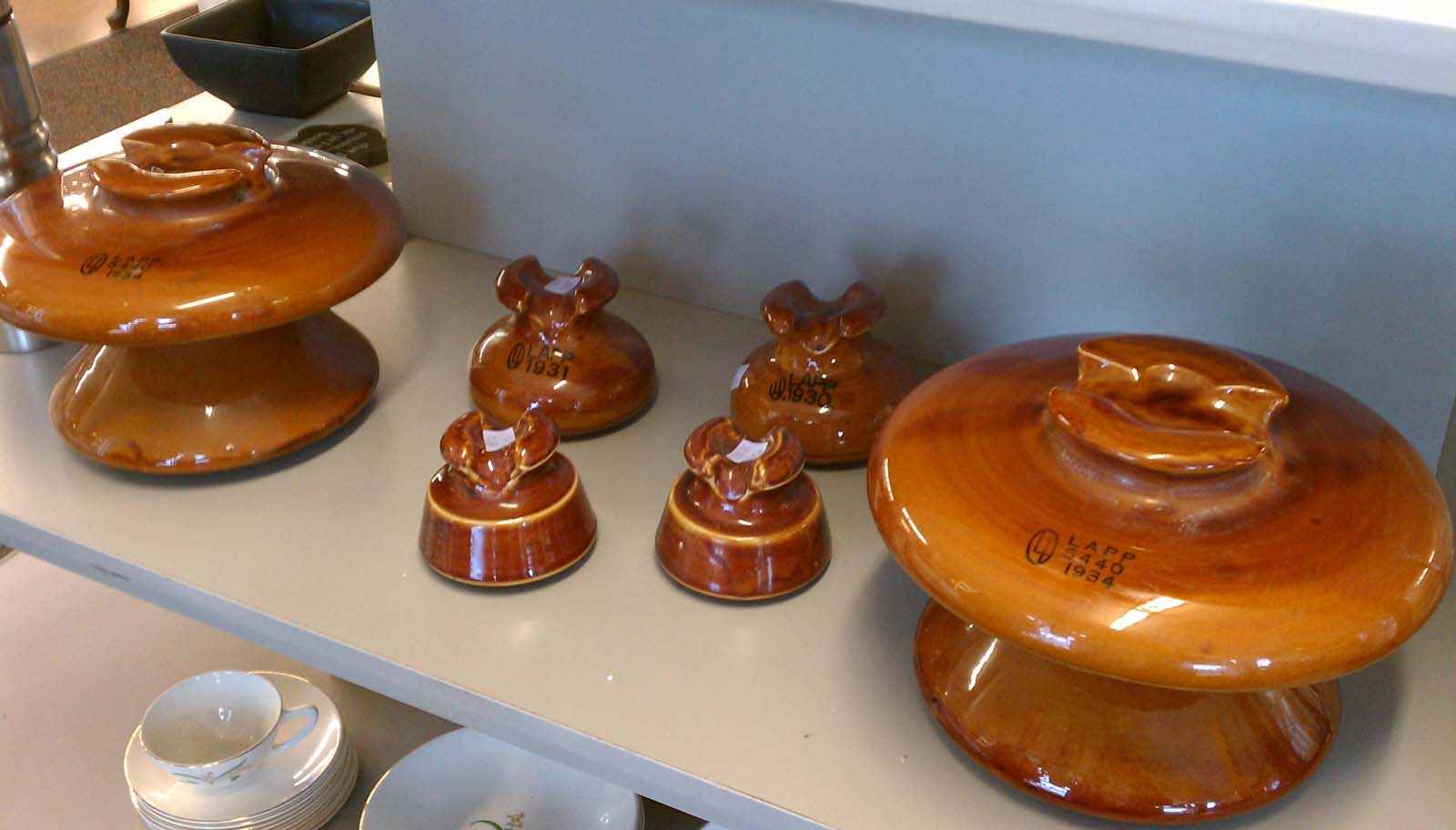 Vintage ceramic insulators we have your collectibles for Power line insulators glass