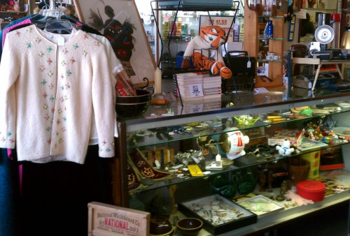 vintage clothing antiques collectibles fargo antique mall fair oaks antiques on broadway