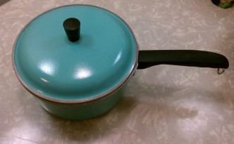 vintage turquoise aqua pot with lid by club
