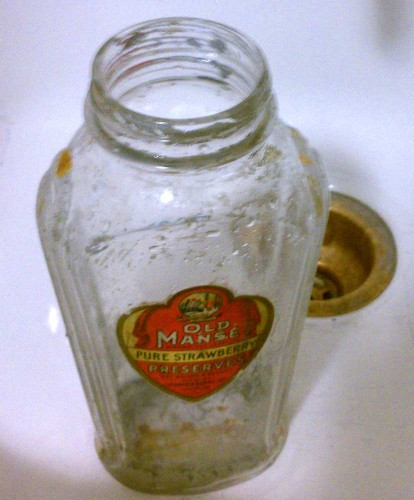 cleaning old preserves jar bottle