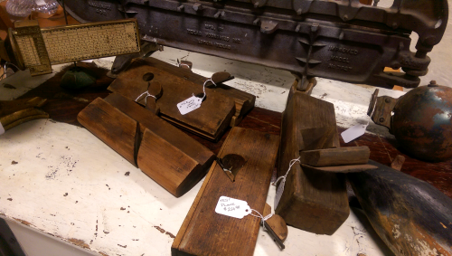 antique-wooden-wood-working-wood-planes