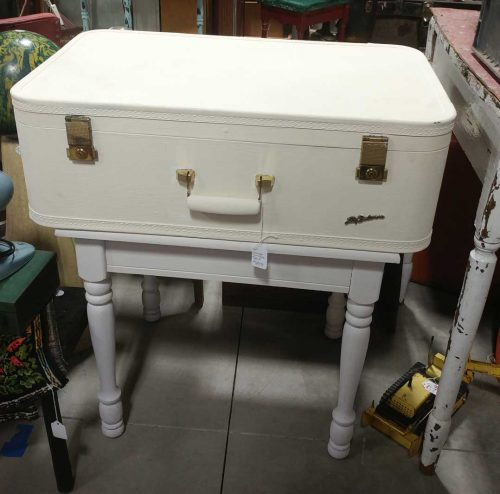 vanilla-white-suitcase-table