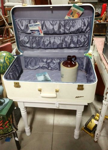 vintage-suitcase-table-fargo